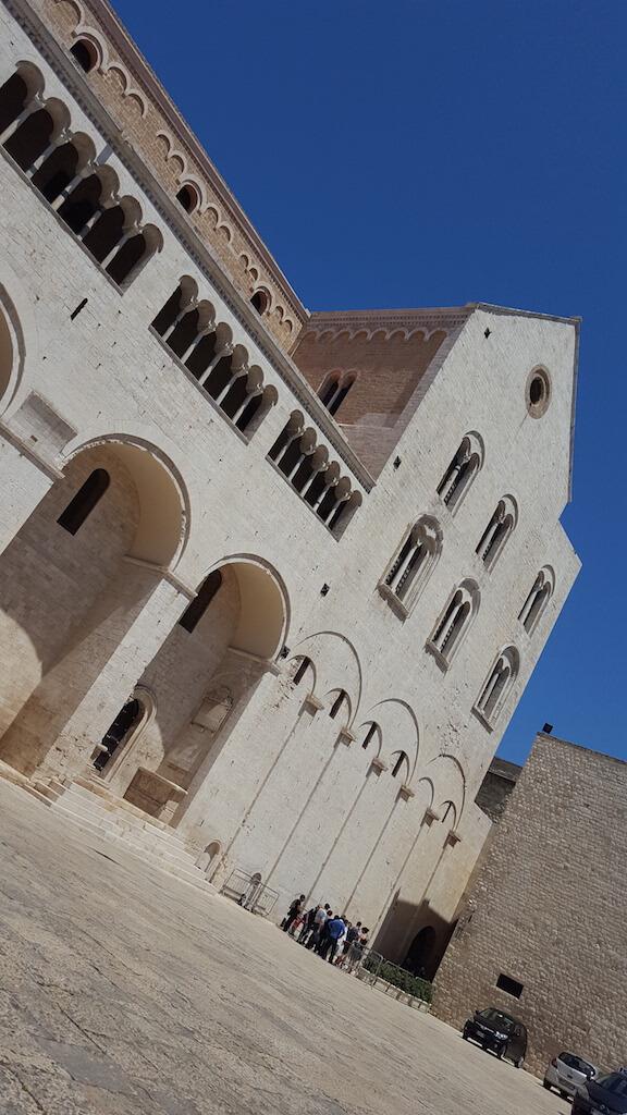 Базилика Святителя Николая в Бари - южный фасад