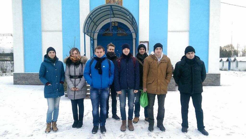 Молодежь храма Рождества Христова в Ушаках