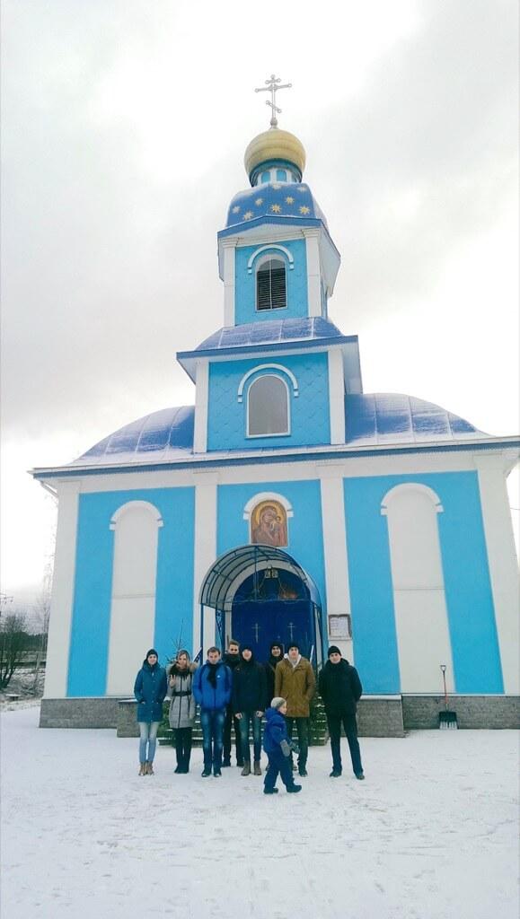 Вид храма Казанской иконы Божией Матери в Ушаках
