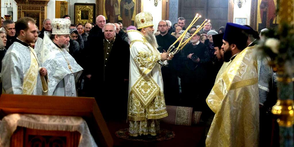 Митрополит Варсонофий возглавил Божественную Литургию в храме Рождества Христова в Весёлом Посёлке