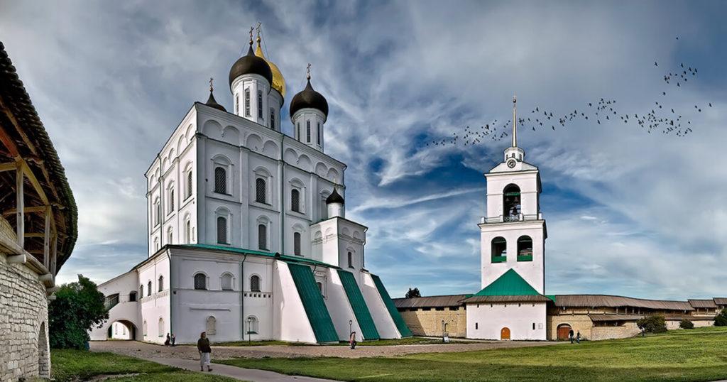 Свято-Троицкий собор (XVIIв), Псков
