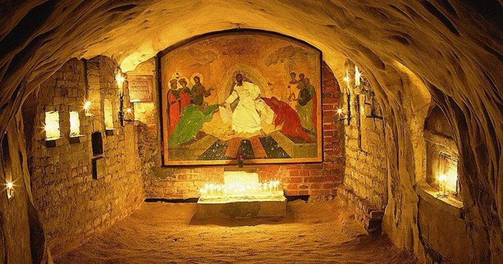 Пещерная Успенская церковь