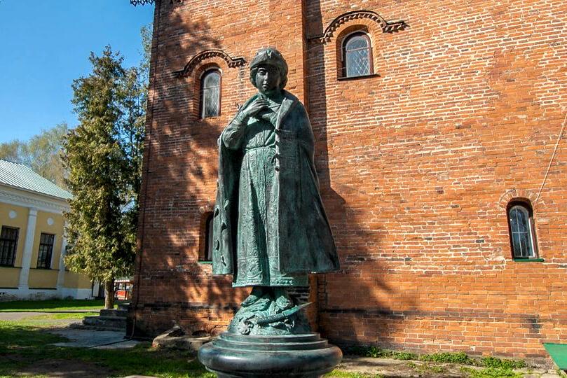 памятник царевичу Димитрию
