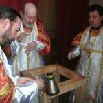 Освящение престола в честь великомученика и победоносца Георгия. Май 2012 года.
